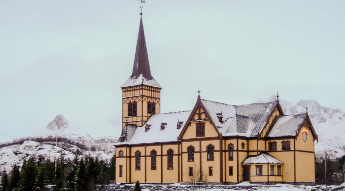 Vågan kirke, også kjent som Lofotkatedralen